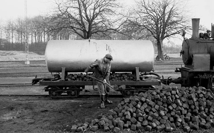 http://www.mjk-h0.dk/evp_Roer/79.ii.30a.adds.tankvogn_f.b_1.sakskoeb.sukk.fbr.nov.1959..jpg