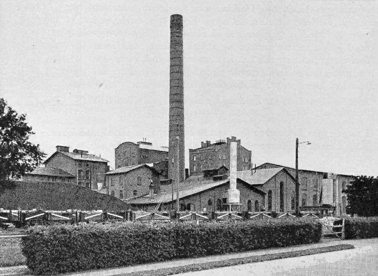 http://www.mjk-h0.dk/evp_Roer/goerlev_sukkerfabrik.ca.1950.jpg