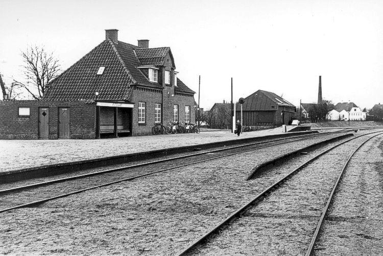 http://www.mjk-h0.dk/evp_SFB/sfb_vesteraaby_1954.ibvandersen.ark.lv-n.jpg