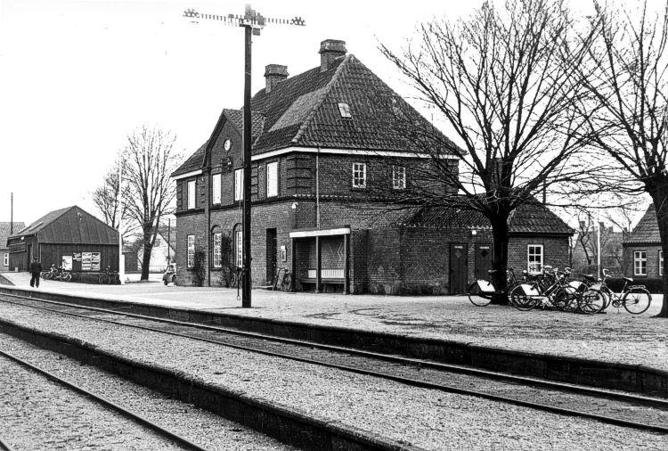 http://www.mjk-h0.dk/evp_SFB/sfb_vesterskjerninge_1954.ibvandersen.ark.lv-n.jpg