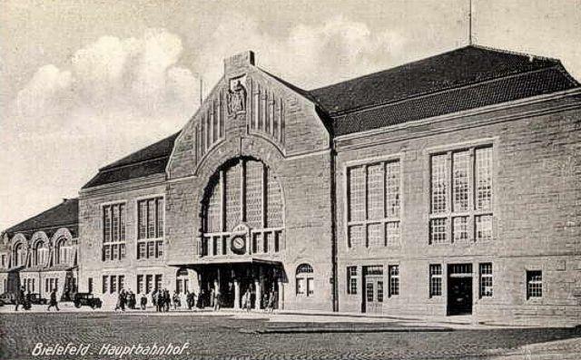http://www.mjk-h0.dk/evp_SHS_Biel/bielefeld%20hbf.1934.jpg