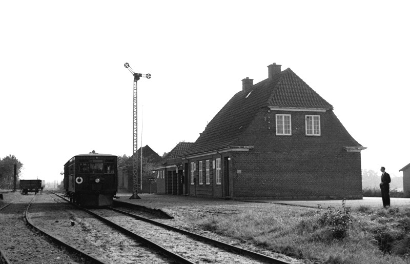 http://www.mjk-h0.dk/evp_SVJ/105-282.iii.30.svj.hem.26.9.1965.jpg