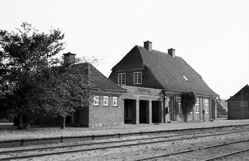 http://www.mjk-h0.dk/evp_SVJ/111-283.i.42.svj.broendum.26.9.1965.jpg