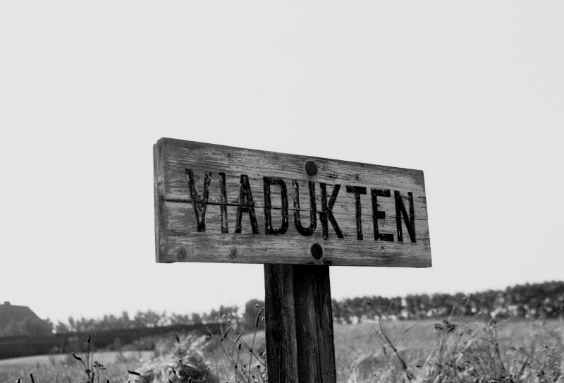 http://www.mjk-h0.dk/evp_SVJ/142-284.iii.35.viadukten.26.9.1965.jpg