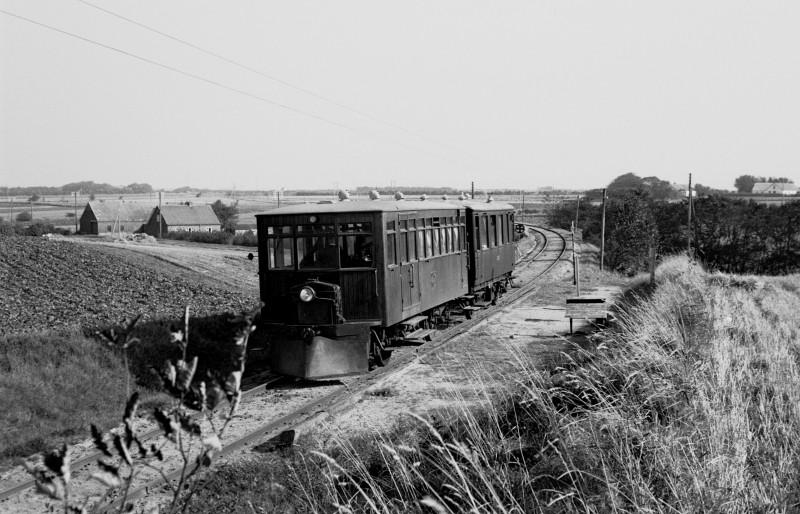 http://www.mjk-h0.dk/evp_SVJ/146-285.i.45.svj_no1-b1.viadukten.26.9.1965.jpg