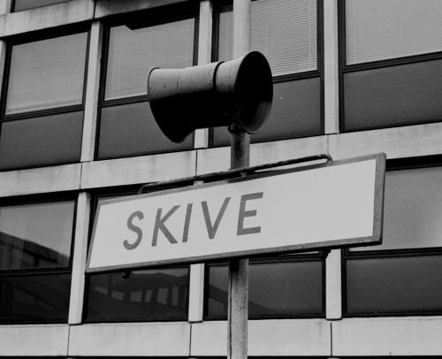 http://www.mjk-h0.dk/evp_SVJ/247-505.iii.13a.dsb.-skive-.12.6.1976.jpg