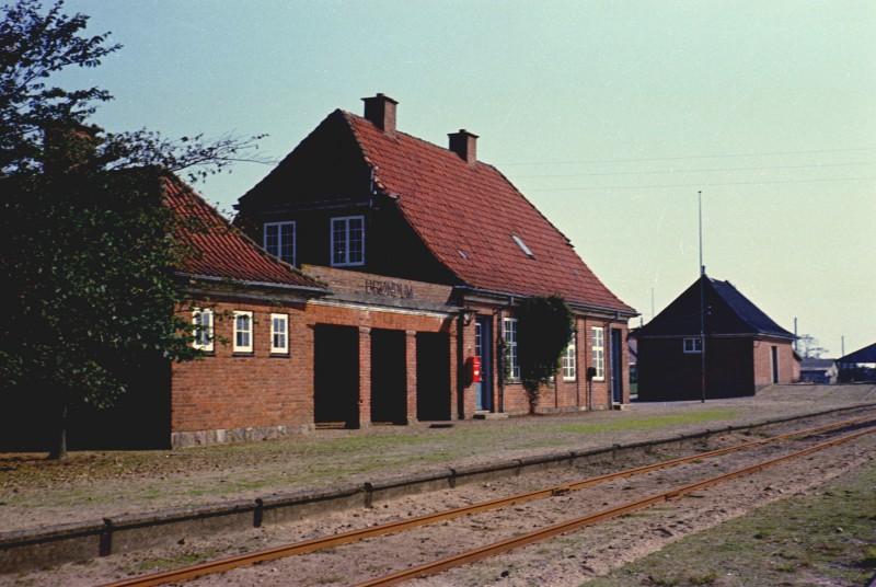 http://www.mjk-h0.dk/evp_SVJ/33-833.ii.05a.svj.broendum.25.9.1965.jpg