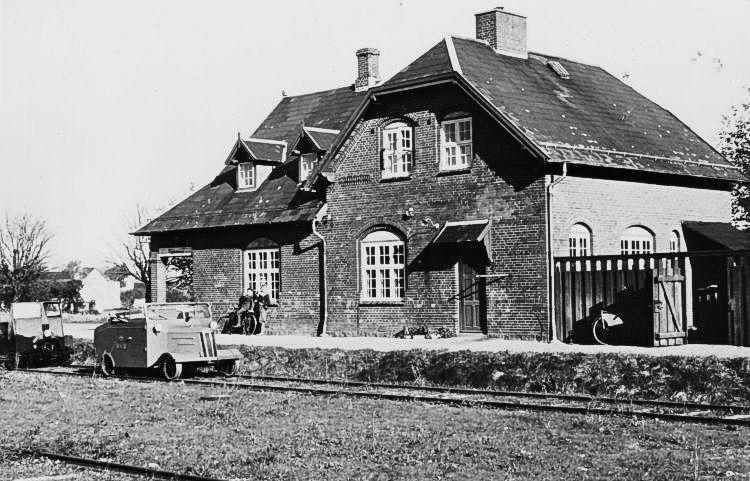 http://www.mjk-h0.dk/evp_So-Ve/doejringe.22.10.1950.foto.jst.jpg