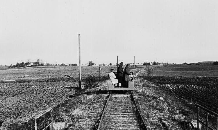 http://www.mjk-h0.dk/evp_So-Ve/mellem%20pedersborg_og_doejringe.22.10.1950.foto.jst.jpg