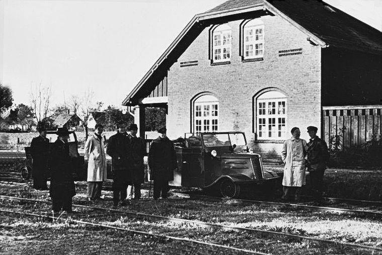 http://www.mjk-h0.dk/evp_So-Ve/pedersborg.22.10.1950.foto.jst.jpg