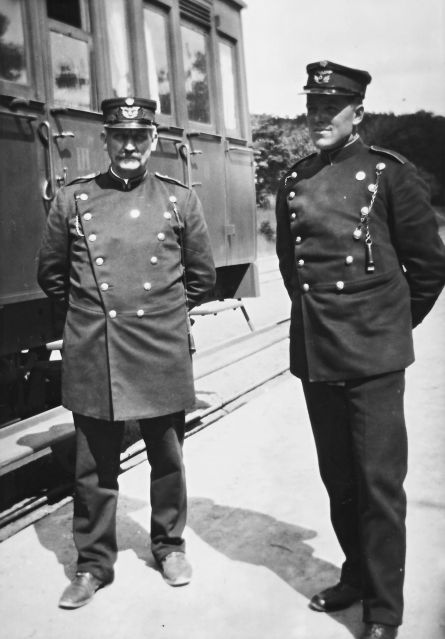 http://www.mjk-h0.dk/evp_So-Ve/togpersonale.soroe-vedde..soroe.foto.tktl.rask.gb.ca.1920..jpg