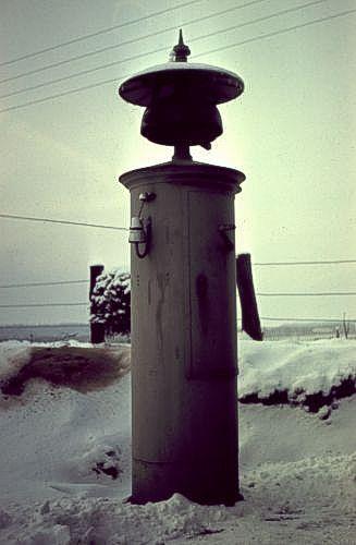http://www.mjk-h0.dk/evp_Soroe/10a-11.meldeklokke,knudstrup,soroe.vinter_1957-58.jpg