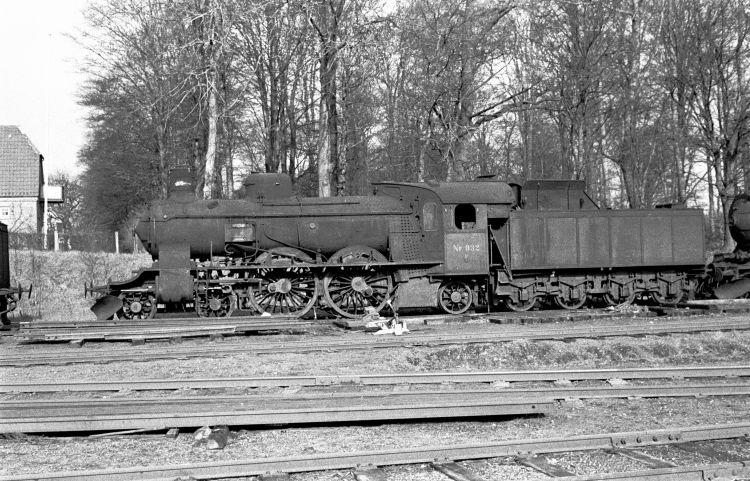 http://www.mjk-h0.dk/evp_Soroe/11.i.05a.dsb.p_932.soroe.febr.1957.jpg