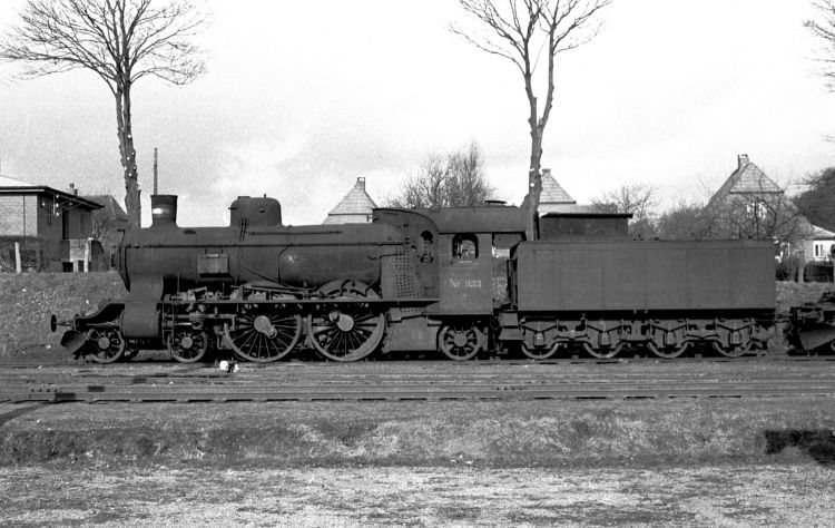 http://www.mjk-h0.dk/evp_Soroe/11.ii.09a.dsb.p_933.soroe.febr.1957.jpg