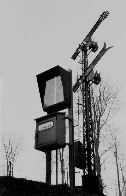 http://www.mjk-h0.dk/evp_Soroe/12.iii.04.indkoerselssignalet_soroe.marts_1957.jpg