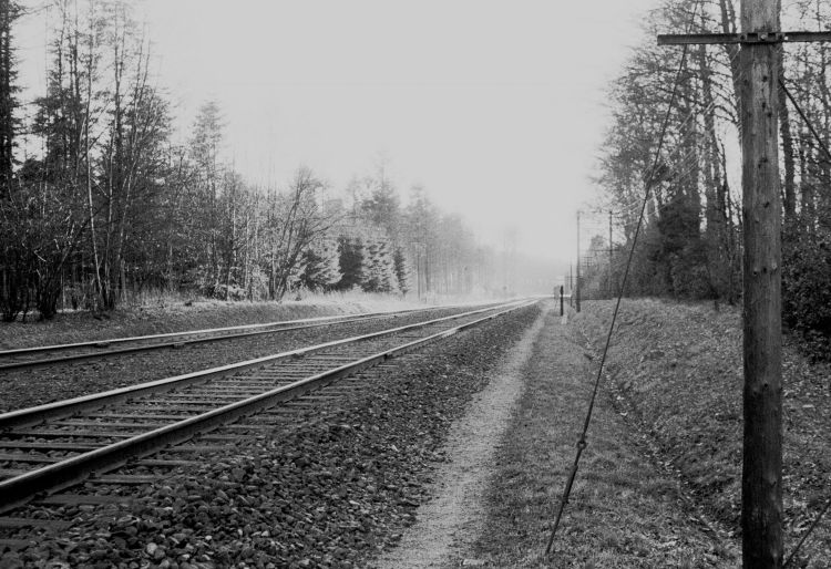 http://www.mjk-h0.dk/evp_Soroe/13.ii.11.ved%20soroes_indkoersel_fra_koebenhavn.marts_1957.jpg