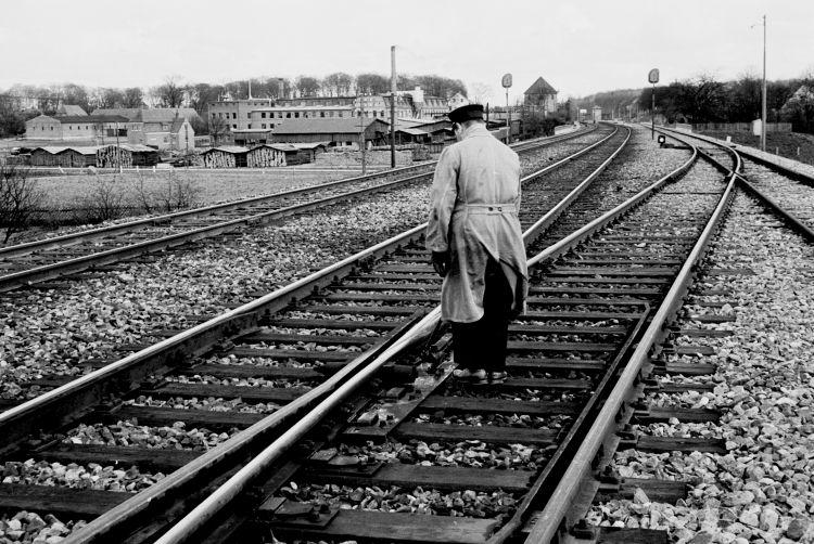 http://www.mjk-h0.dk/evp_Soroe/19.iii.19.opt.leo_andersen.smoerr.af_sporsk.soroe.april_1957.jpg