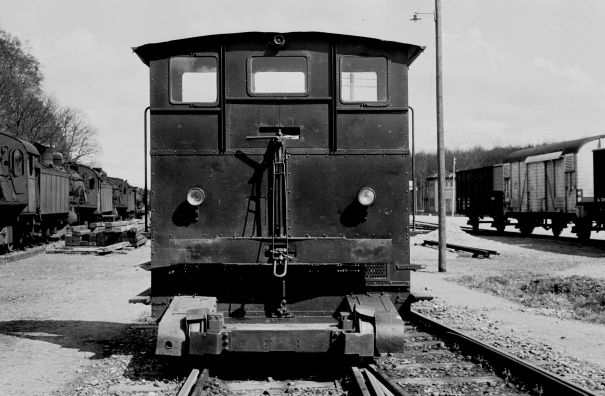 http://www.mjk-h0.dk/evp_Soroe/19.iii.21.traktor_45.soroe.april_1957.jpg