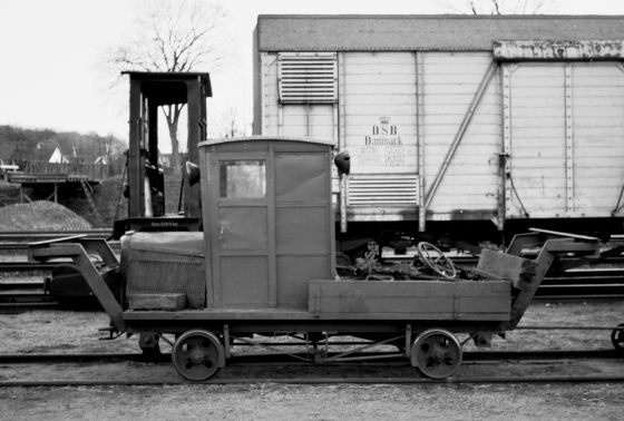 http://www.mjk-h0.dk/evp_Soroe/32.ii.08a.motortrolje.soroe.okt.1957.jpg