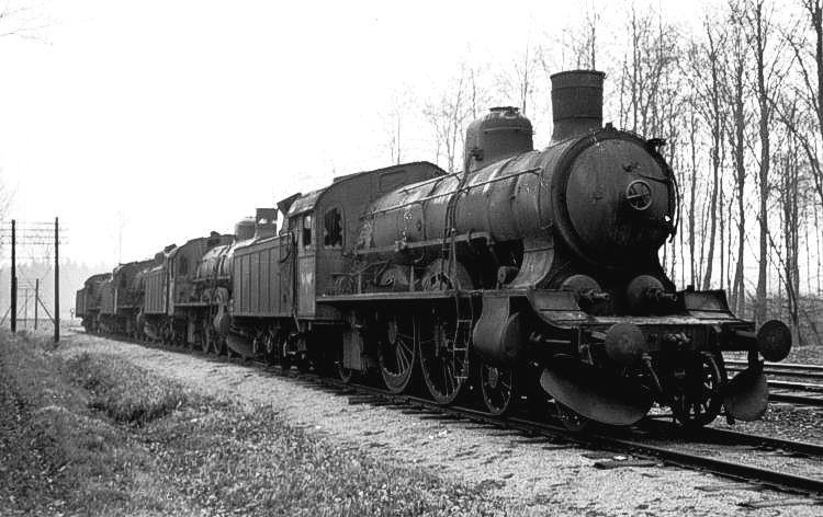 http://www.mjk-h0.dk/evp_Soroe/33.ii.25.p-maskiner_klar_til_afgang.soroe.dec.1957..jpg