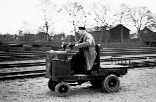 http://www.mjk-h0.dk/evp_Soroe/33.ii.29.o.portoer_karsholt,soroe.nov.1957.jpg