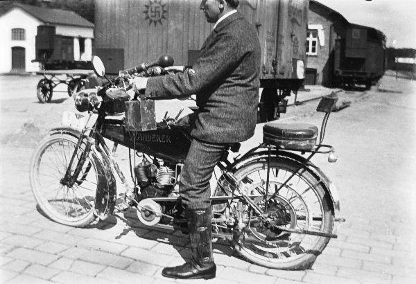 http://www.mjk-h0.dk/evp_Soroe/b-571-5.form.ass.tristan_nielsen.soroe_ca.1920.foto.tktl.rask.gb.jpg