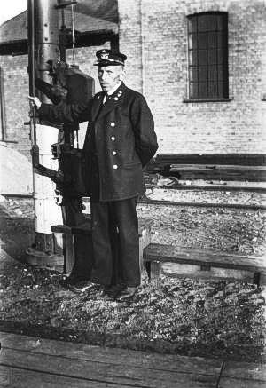 http://www.mjk-h0.dk/evp_Soroe/c-572-7.soroe_ca.1920.foto.tktl.rask.gb.jpg