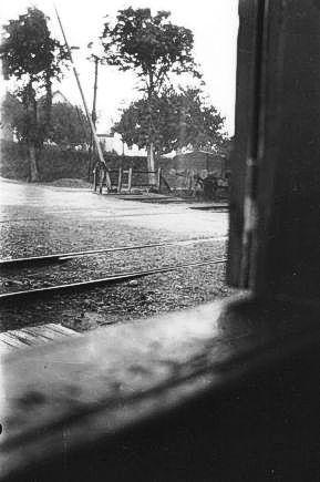 http://www.mjk-h0.dk/evp_Soroe/e-572-2.ved_overk.skaelskoervej.soroe%20ca.1920.foto.tktl.rask.gb.jpg