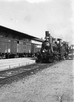 http://www.mjk-h0.dk/evp_Soroe/h-575-7.dsb%20j_3.soroe_ca.1920.foto.tktl.rask.gb.jpg
