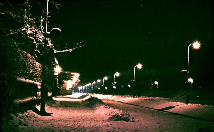 http://www.mjk-h0.dk/evp_Soroe/soroe_by_night.soroe.vinter_1957-58.jpg