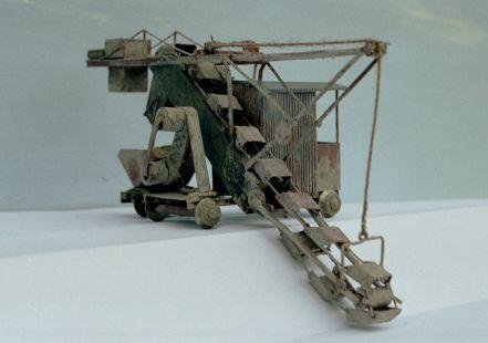 http://www.mjk-h0.dk/evp_Teglv/f-1177.iii.06.1-87-model_af_spandegravemaskine.marts_2002.jpg