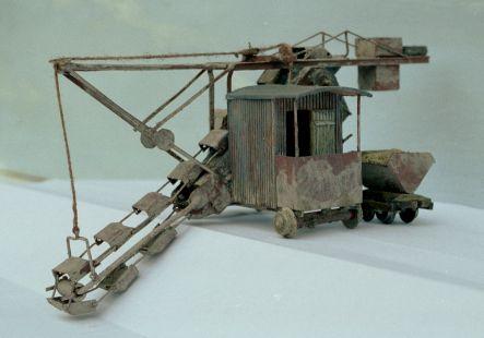 http://www.mjk-h0.dk/evp_Teglv/f-1177.iii.08.1-87-model_af_spandegravemaskine.marts_2002.jpg