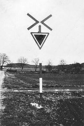 http://www.mjk-h0.dk/evp_Teglv/frederiksborgvej-overk.bloustroed%20teglvk-3.1955-56.jpg