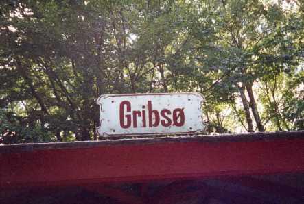 """""""Gribsø"""" trinbræt, Gribskovbanen (GDS)."""